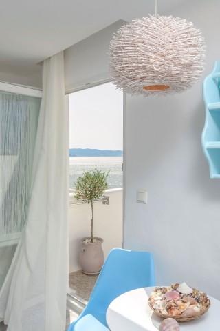naxos-top-floor-suite-14