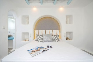 naxos-top-floor-suite-6