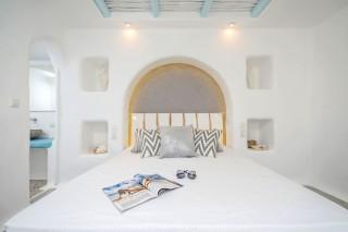 naxos-top-floor-suite-6