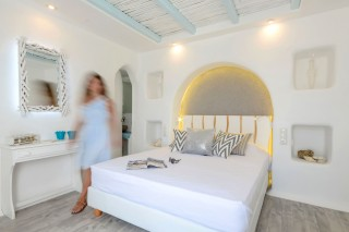naxos-top-floor-suite-7
