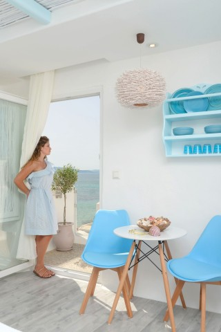 naxos-top-floor-suite-9