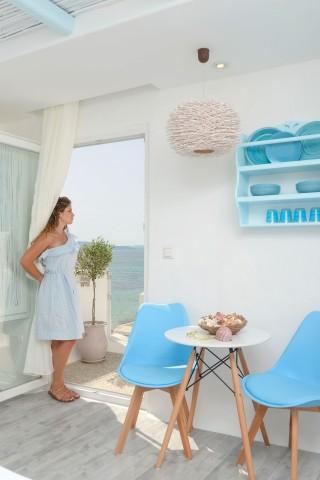 naxos-top-floor-suite-9