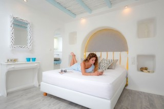 naxos-top-floor-suite-sea-v