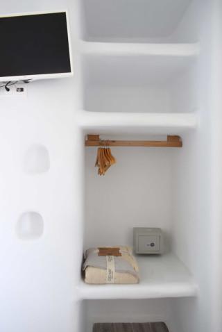 suite 2 with sea views naxian breeze amenities