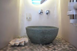 suite 2 with sea views naxian breeze bathroom